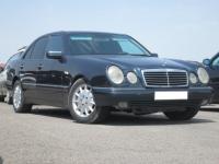 Mercedes E-240